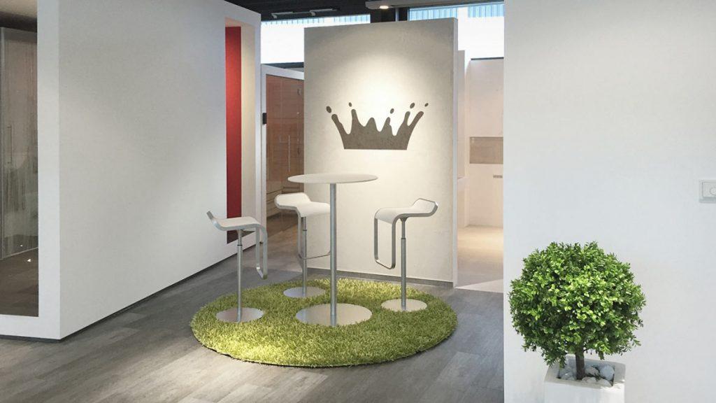 Badgestaltungsmöglichkeiten in der Ausstellung.