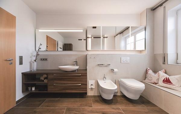 licht im bad effektvoll einsetzen friedrich merzig die badgestalter. Black Bedroom Furniture Sets. Home Design Ideas